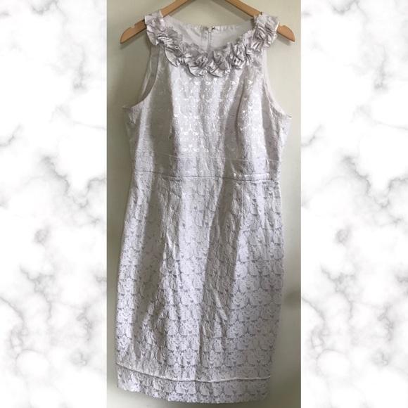 London Style Dresses & Skirts - White Lace Shimmer Ruffle Collar Sleeveless Dress